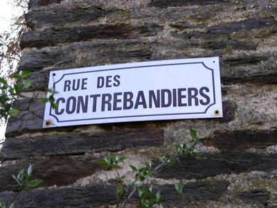 Hérisson plaque rue contrebandiers redim.jpg